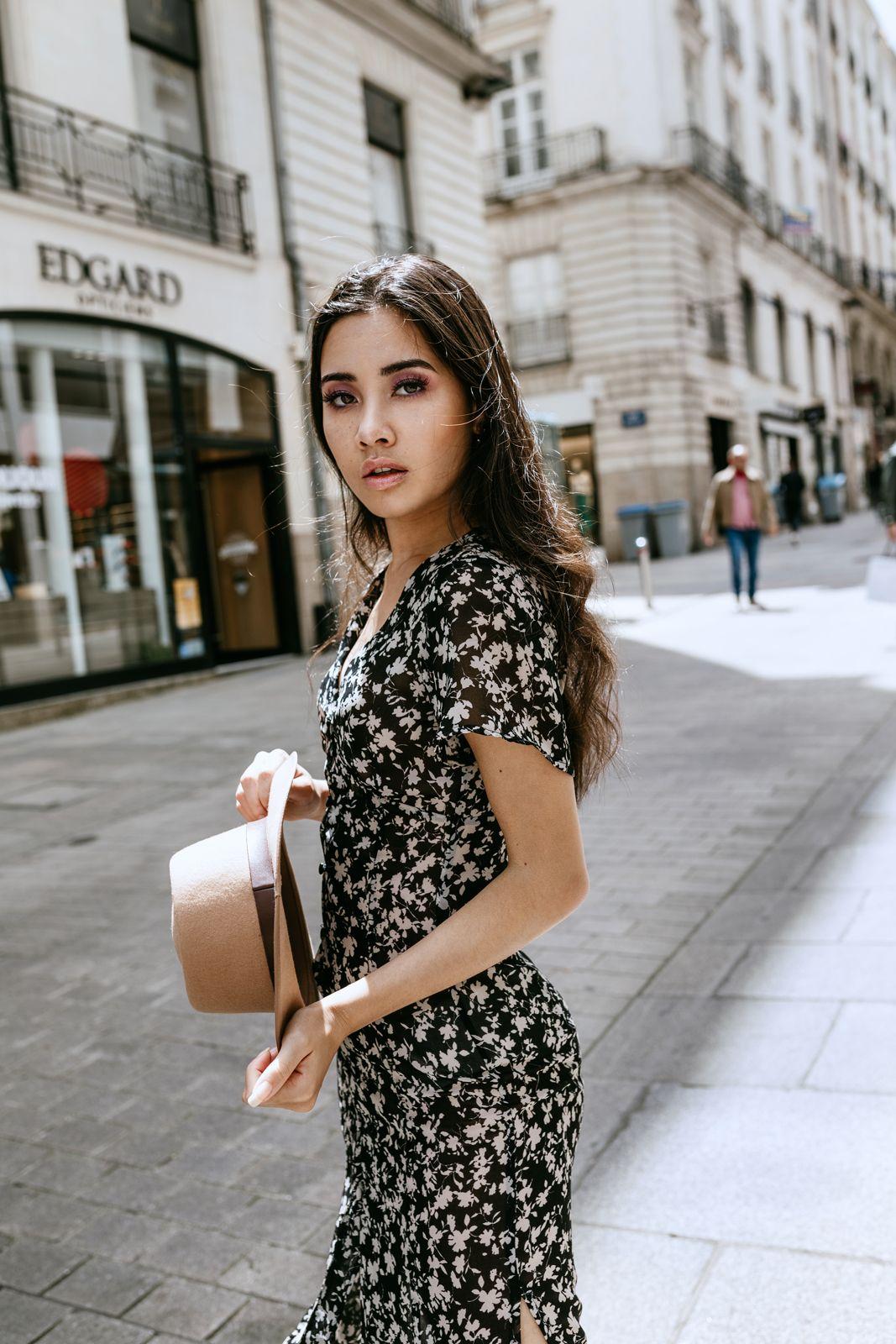 Photo d'elsa dans les rues de nantes